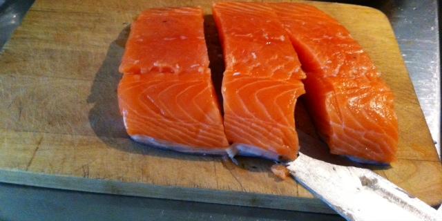 skärbräda för kött, fisk och kyckling
